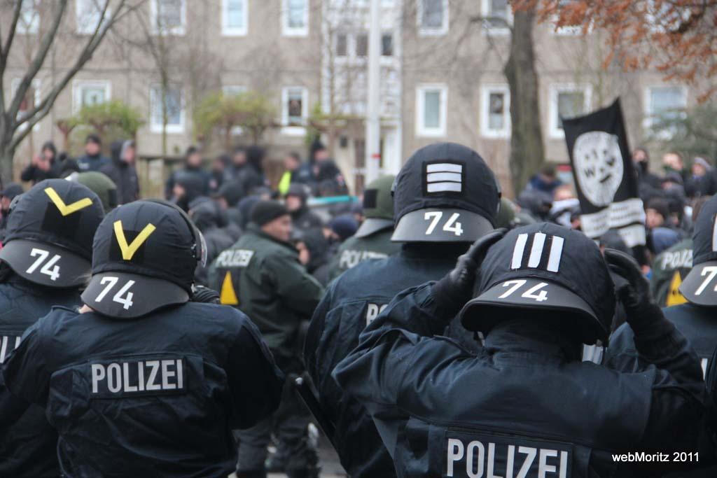 antifademo_polizei-simon_voigt