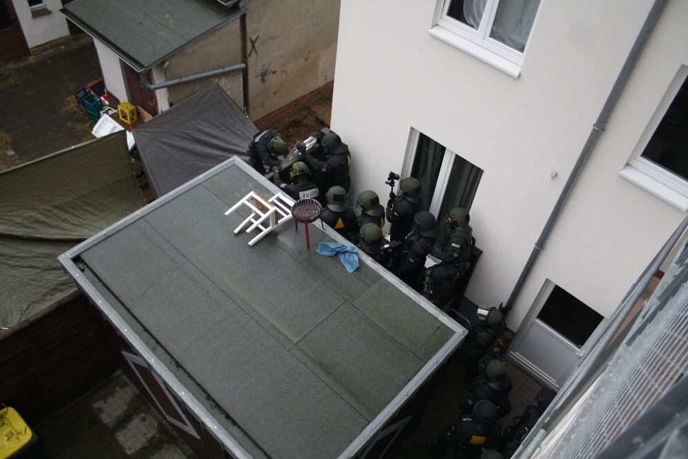 brinke-polizei-1-daniel-eckhardt-2014