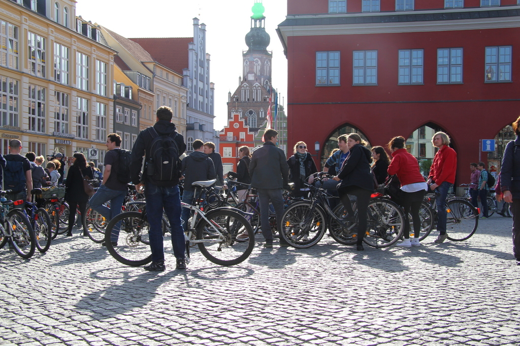 demo_diagonalquerung_marktplatz3-simon-voigt