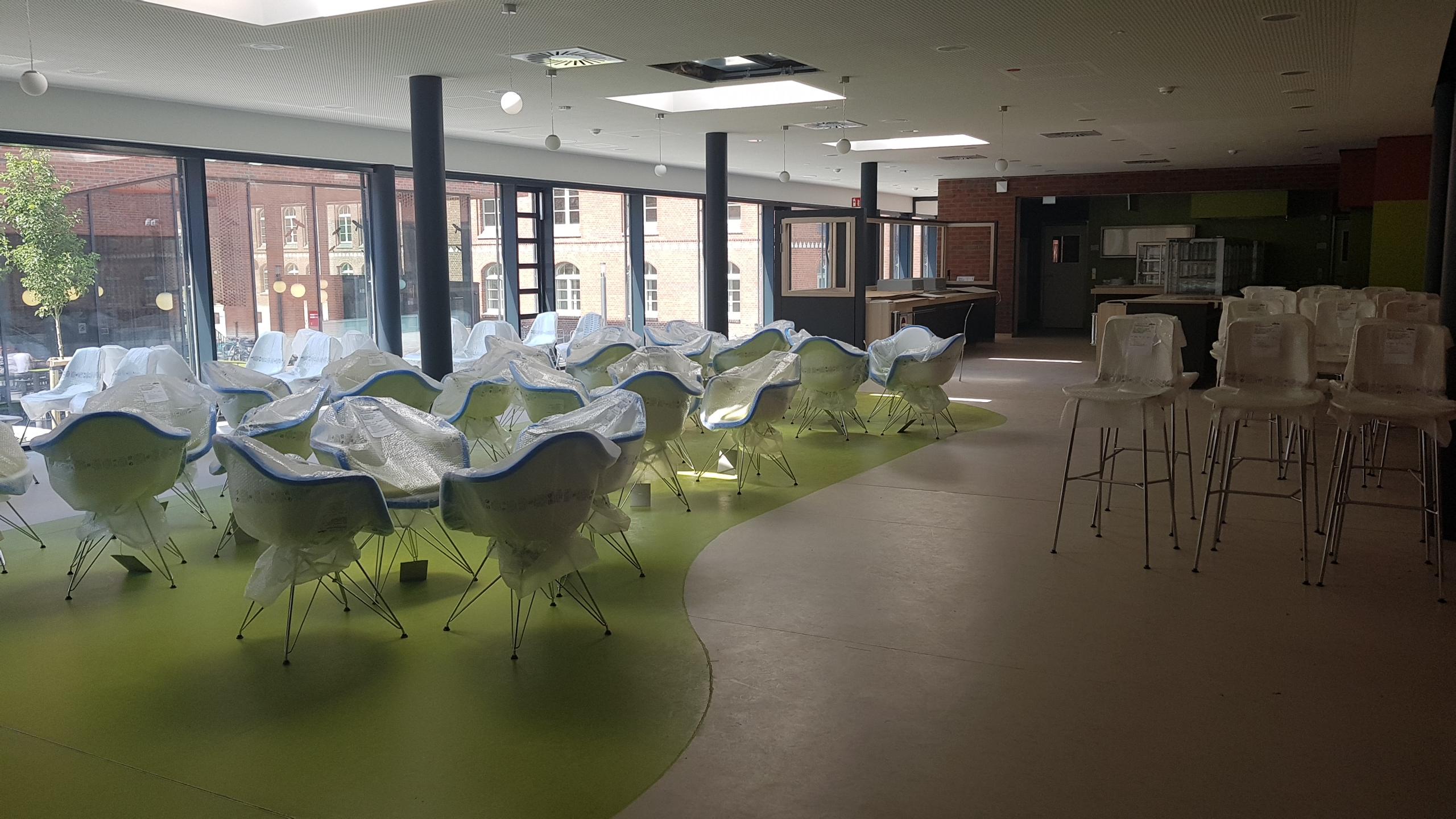Die neue Cafeteria insgrüne am Campus Loefflerstraße