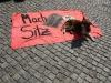 nazis-blockieren-kleiner-antinazihund_marco-wagner
