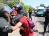 neubrandenburg_1mai_blockadeaufloesung3-johannes-koepcke