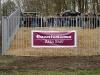 Fans von Dynamo hingen dieses Plakat zum Protest gegen den Zaun auf...