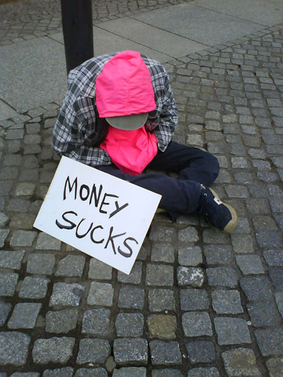 money_sucks-400x533-dominik_wachsmann