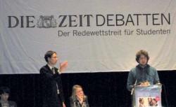 Debattierclub Greifswald gewinnt Debatte in Stuttgart