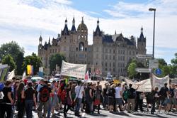 Bereits 2010 organisierte der AStA eine Demonstration in Schwerin für den Erhalt des Lehramts. Damals folgten 500 Menschen dem Aufruf.