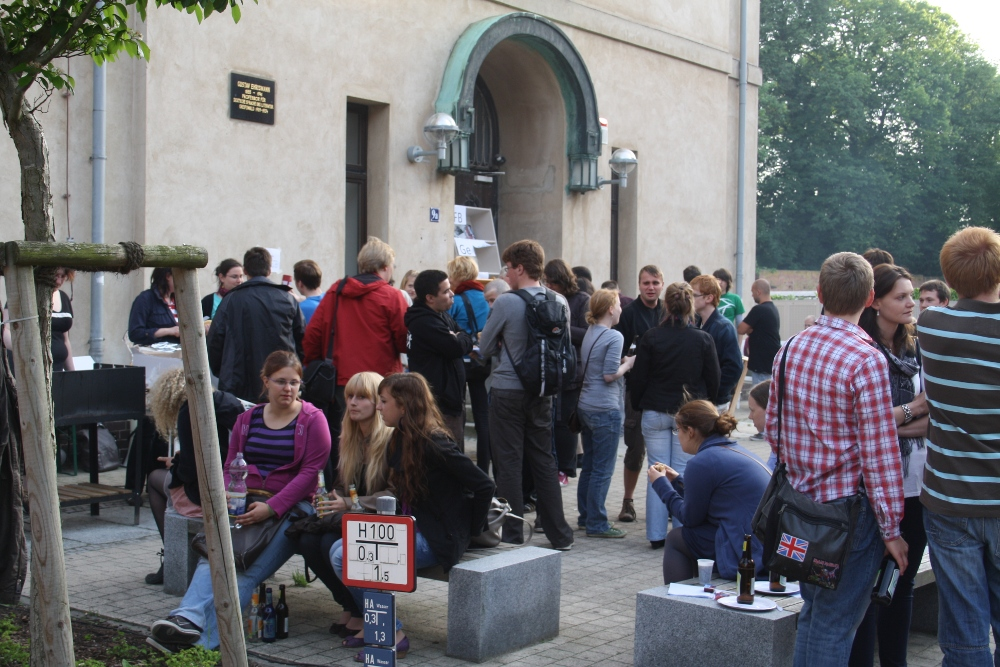 Im vergangenen Sommer wurde mit einem Grillfest auf das wegen baufälligkeit geschlossenen Historische Institut aufmerksam gemacht
