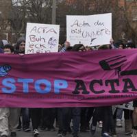 """""""Weil man uns die Rechte klaut"""" – ACTA-Protest in Greifswald"""