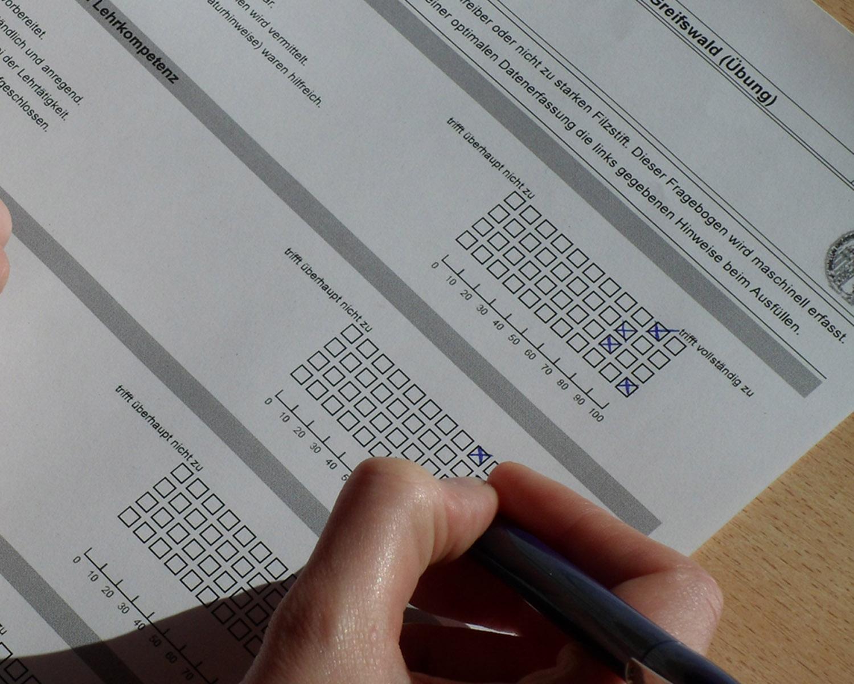 Uni bietet Schulung für Umfragensoftware an