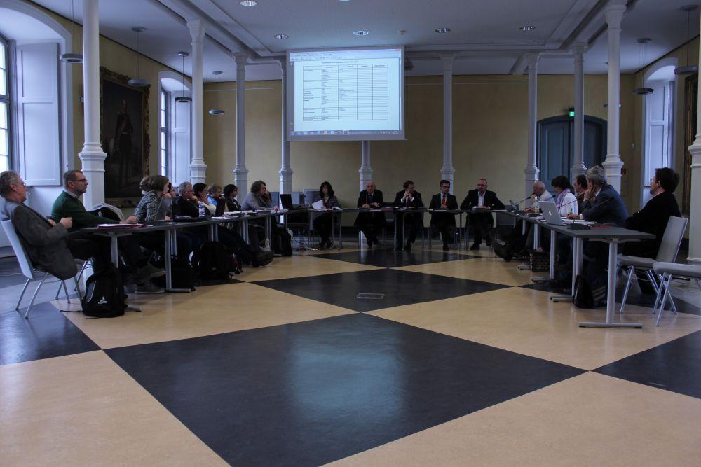 Fakultätsrat der Philosophischen Fakultät übt Kritik an Bibliotheksleitung