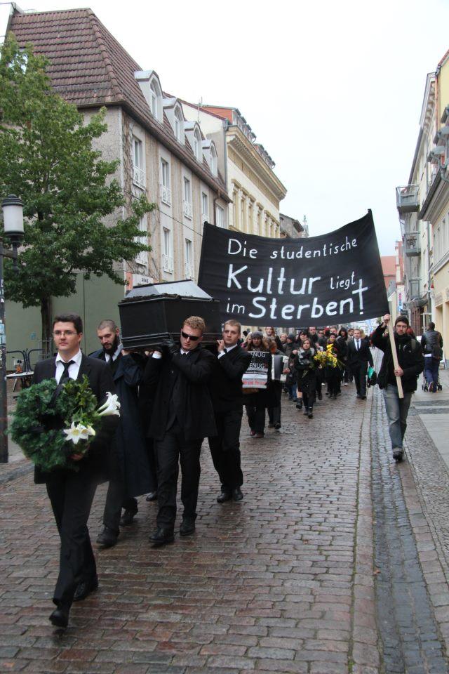 """""""Studentische Kultur stirbt"""" – Gründe für die Demonstration *Update*"""