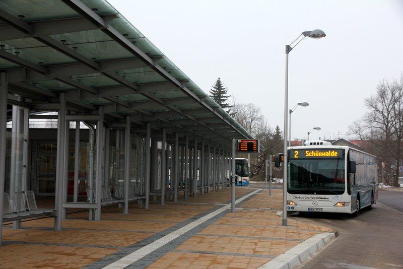 Neuer Busbahnhof geht endlich in Betrieb
