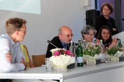 An der Diskussion beteiligten sich Prof. der Landschaftsökologie Wilmking, Kanzler Dr. WOlfgang Flieger, die Rektorin Prof. Hannelore Weber und AStA-Referentin Antje Gärtner (v.l.)