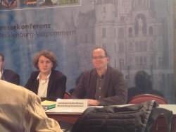 Erik von Malottki (links) bei der Pressekonferenz.