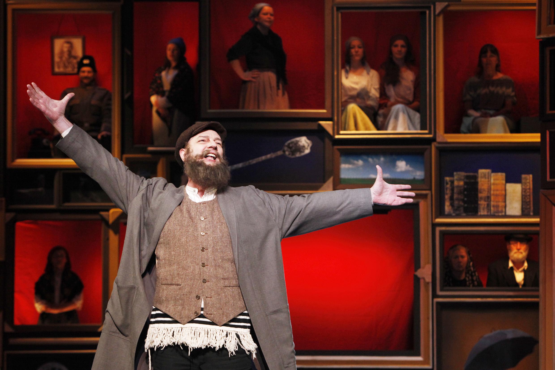 Tanz um die Ehemänner – Musical Anatevka im Theater