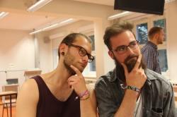 Philipp und Konrad üben schon einmal den nachdenklichen Blick.
