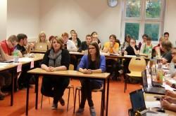 Die Bewerberinnen für Internationales: links Olga Klassen, rechts Johanna Schwekutsch.