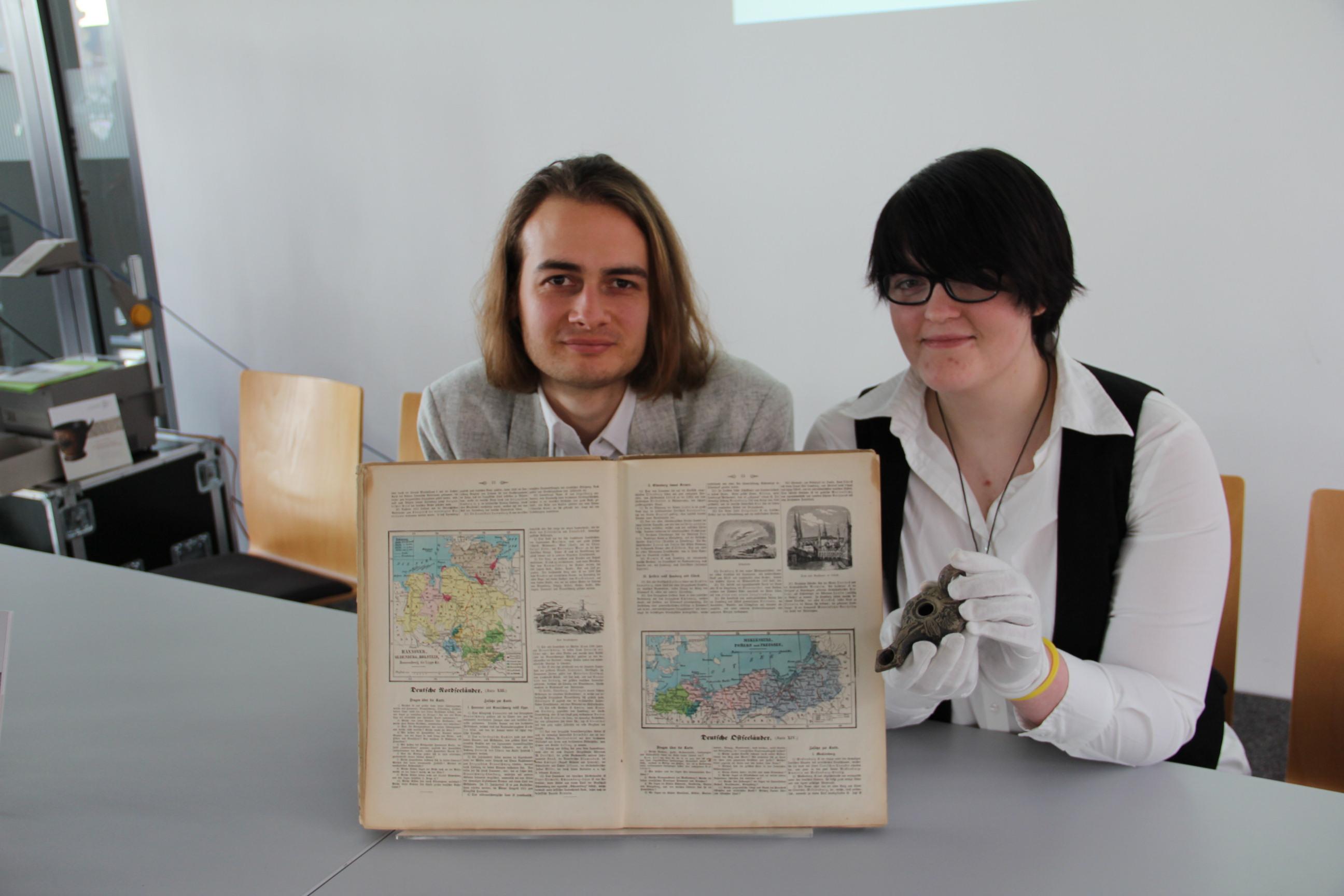 3300 Jahre Menschheitsgeschichte in der Bibliothek