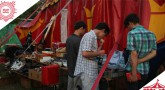 Mischen possible – Nachtflohmarkt im Zirkuszelt