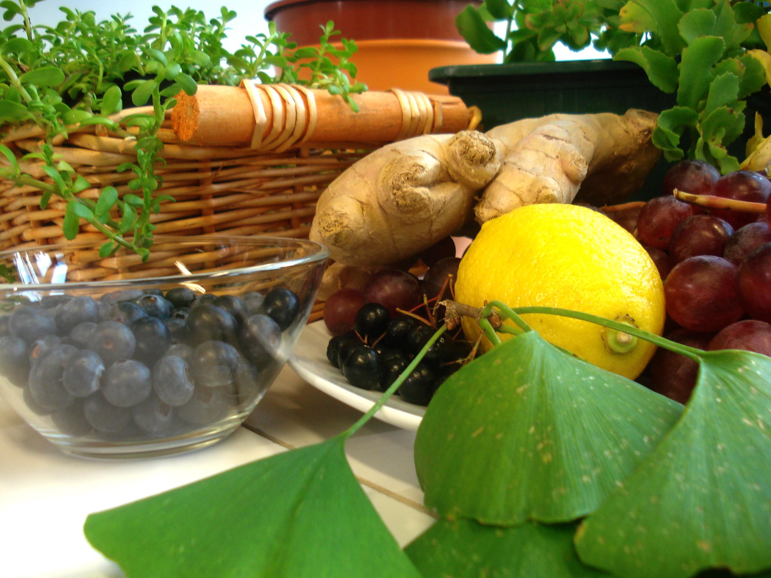 Exotische Früchte sollen eine Alternative zu ungesunden Energy-Drinks bieten.