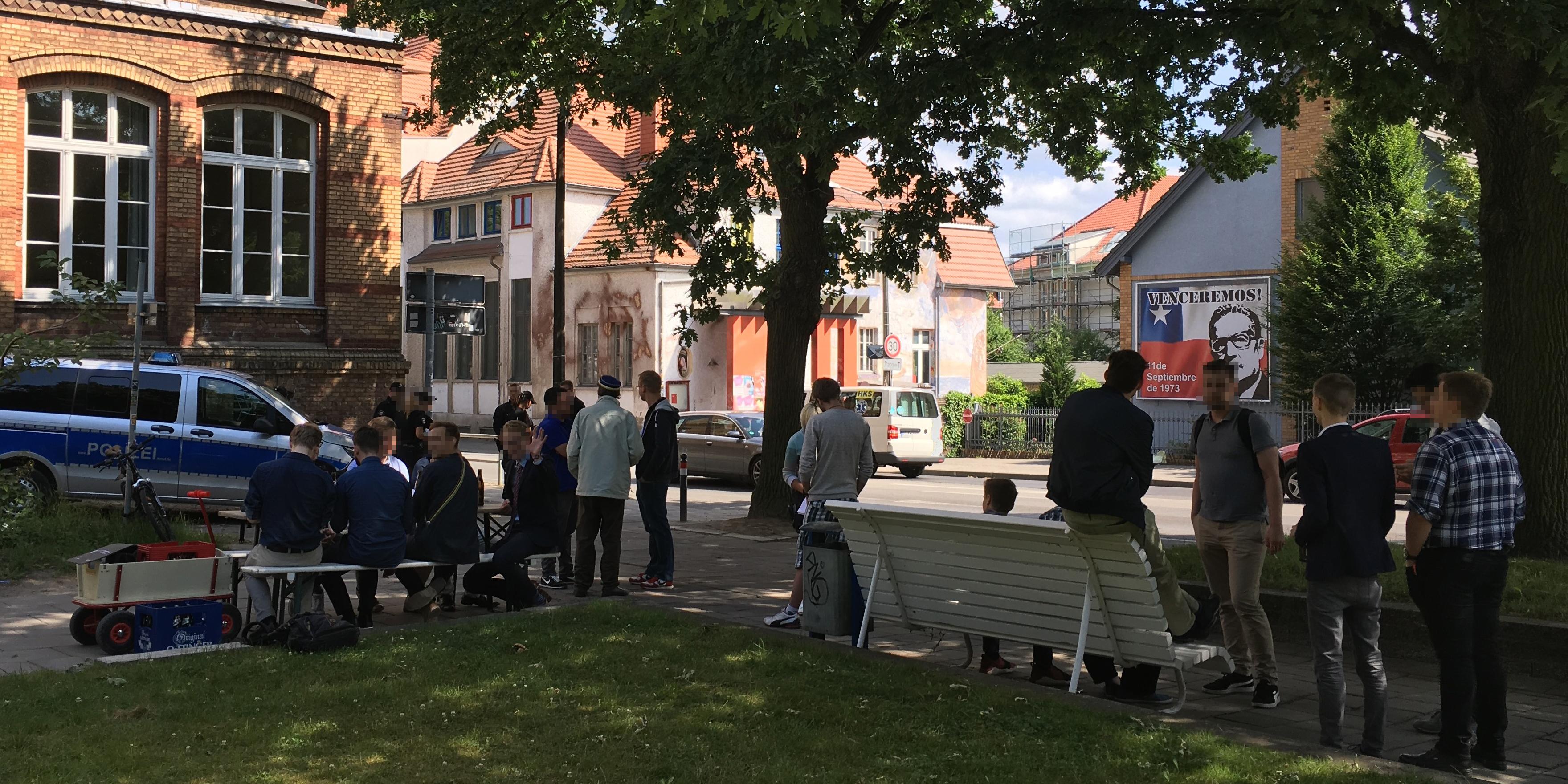 Solidarität und Bier: Katerstimmung vom Wochenende hält an