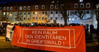 Breiter Protest gegen Identitären-Vortrag