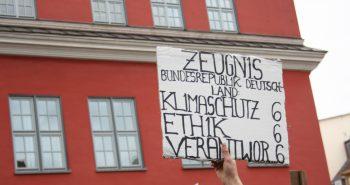 Fridays for Future – Greifswalder demonstrieren gemeinsam mit über 1.500 Gemeinden weltweit für die Klimarettung