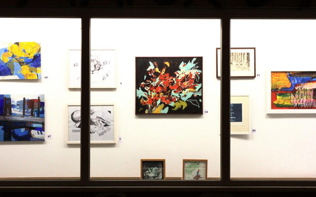 Kunst von Kiosk bis Kubus – stille Auktion in der Innenstadt