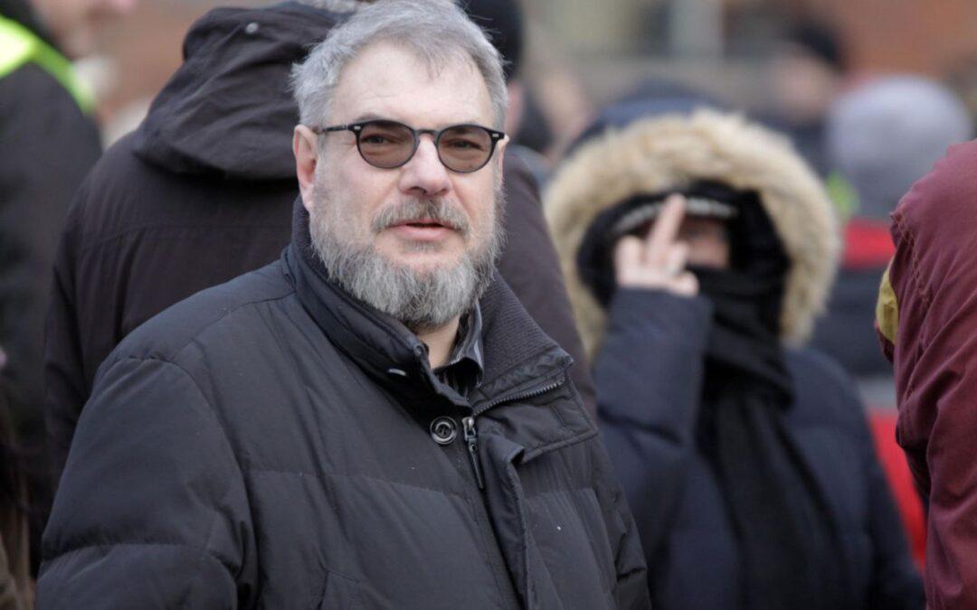 Unruhe an der Uni – die Rückkehr des umstrittenen Rechtsprofessors Ralph Weber